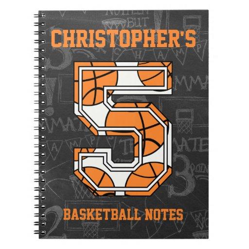 Cumpleaños de la pizarra del baloncesto 5to libro de apuntes