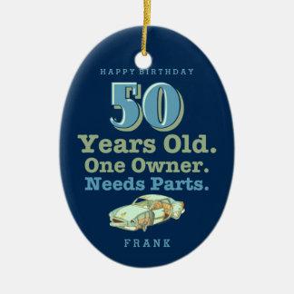Cumpleaños de las piezas de las necesidades 50.o adorno ovalado de cerámica