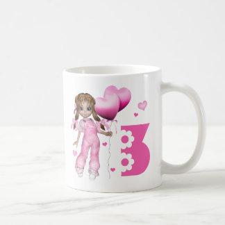 Cumpleaños de los corazones del chica 3ro taza básica blanca