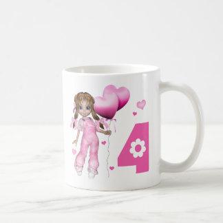 Cumpleaños de los corazones del chica 4to taza de café
