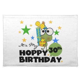 Cumpleaños de lúpulo de Froggie trigésimo Manteles Individuales