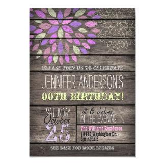 """Cumpleaños de madera rústico de la flor púrpura, invitación 5"""" x 7"""""""