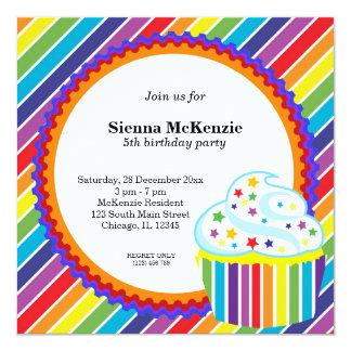 """Cumpleaños del arco iris invitación 5.25"""" x 5.25"""""""