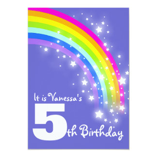 """Cumpleaños del arco iris rosado púrpura de los invitación 5"""" x 7"""""""