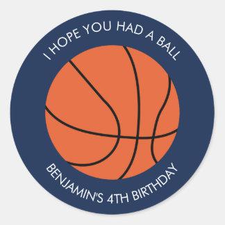 Cumpleaños del baloncesto pegatina redonda