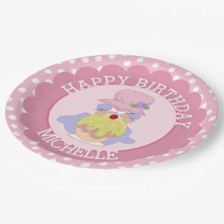 Cumpleaños del chica y de la magdalena de plato de papel de 9 pulgadas