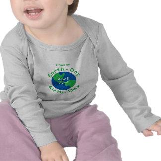 Cumpleaños del Día de la Tierra Camisetas