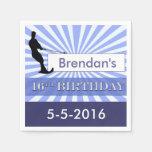 Cumpleaños del diseñador del esquiador del agua dé servilletas de papel