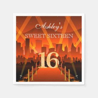 Cumpleaños del dulce 16 de la ciudad de la servilleta de papel