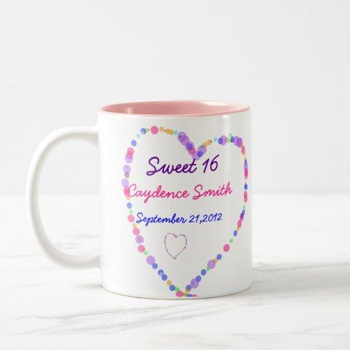 Cumpleaños del dulce 16 del corazón taza de dos tonos