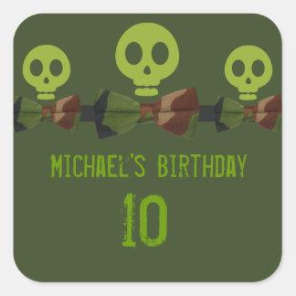 Cumpleaños del esqueleto de Camo Colcomanias Cuadradas