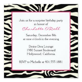 """Cumpleaños del estampado de zebra invitación 5.25"""" x 5.25"""""""