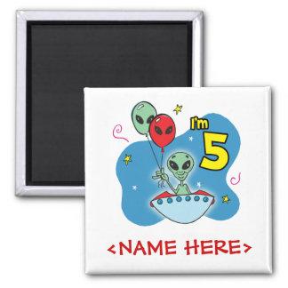 Cumpleaños del extranjero del UFO 5to Imán Cuadrado