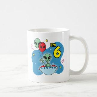 Cumpleaños del extranjero del UFO 6to Taza De Café