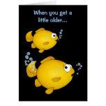 """Cumpleaños del Goldfish más viejo """"sobre la colina Felicitación"""