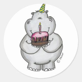 Cumpleaños del hipopótamo - feliz cumpleaños pegatina redonda