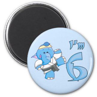 Cumpleaños del karate del elefante 6to imán redondo 5 cm
