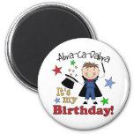 Cumpleaños del mago de los niños imán para frigorifico