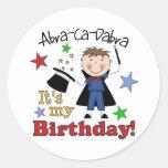 Cumpleaños del mago de los niños pegatina