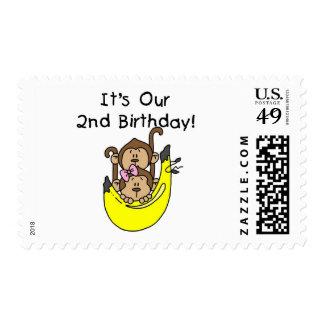 Cumpleaños del muchacho y del chica del mono de franqueo