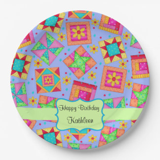 Cumpleaños del nombre de bloque del edredón de plato de papel de 9 pulgadas