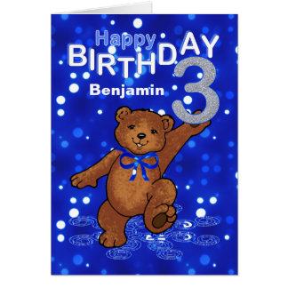 Cumpleaños del oso de peluche 3ro para el muchacho tarjeta de felicitación