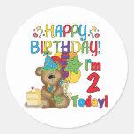 Cumpleaños del oso de peluche del feliz cumpleaños etiqueta redonda