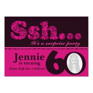 """Cumpleaños del rosa de la sorpresa del ssh de la invitación 5"""" x 7"""""""