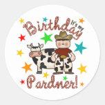 Cumpleaños del vaquero de los niños pegatina redonda