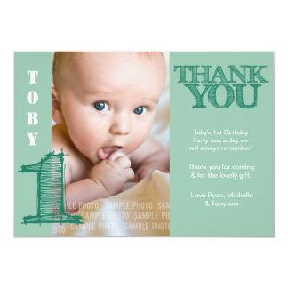 Cumpleaños del verde del bebé el 1r le agradece anuncio