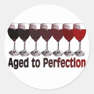 Cumpleaños del vino rojo pegatina redonda