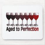 Cumpleaños del vino rojo tapete de raton