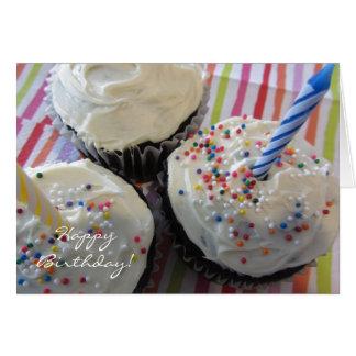 Cumpleaños delicioso de las magdalenas tarjeta de felicitación
