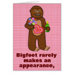 Cumpleaños divertido de Bigfoot Tarjeta
