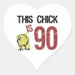 Cumpleaños divertido de las mujeres el 90.o pegatinas corazon