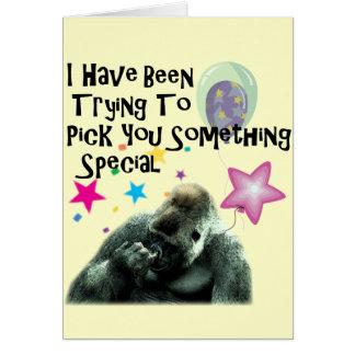 Cumpleaños divertido del humor del gorila tarjeta