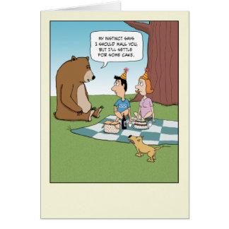 Cumpleaños divertido: El oso quiere la torta Tarjeta De Felicitación