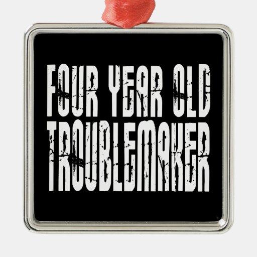 Cumpleaños divertidos: Perturbador de cuatro años Ornamento De Navidad