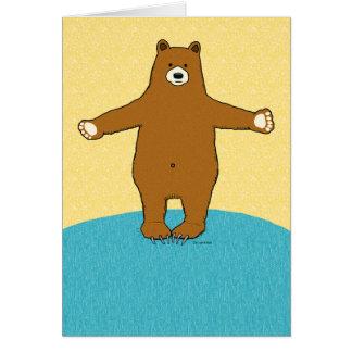 Cumpleaños elogioso del abrazo de oso tarjeta de felicitación