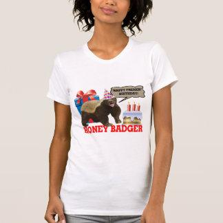 Cumpleaños feliz de Freakin del tejón de miel Camiseta