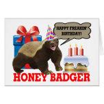 Cumpleaños feliz de Freakin del tejón de miel Tarjeta