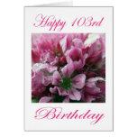 Cumpleaños feliz de la flor rosada y verde 103o felicitacion