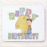 Cumpleaños feliz de los muchachos 4to tapetes de raton