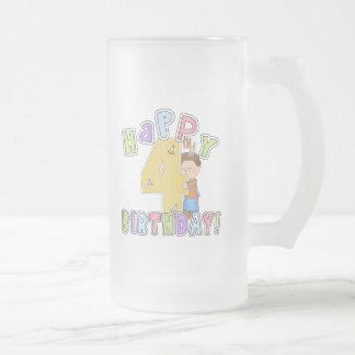 Cumpleaños feliz de los muchachos 4to taza de café