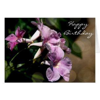 Cumpleaños floral, correhuelas púrpuras bonitas tarjetón