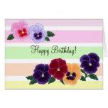 Cumpleaños floral de los pensamientos tarjeta