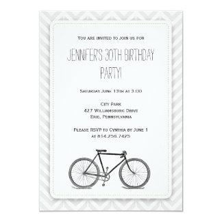 """Cumpleaños gris elegante de la bicicleta del invitación 5"""" x 7"""""""