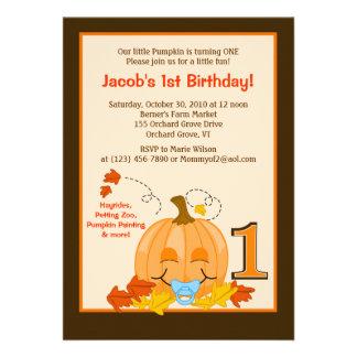 Cumpleaños Halloween 5x7 del bebé de la calabaza e Invitaciones Personalizada
