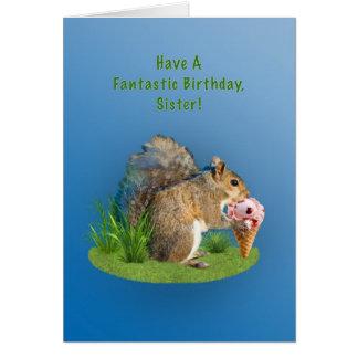 Cumpleaños, hermana, ardilla con el cono de helado tarjeta de felicitación