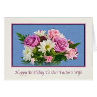 Cumpleaños, la esposa del pastor, flores, pájaros tarjeta de felicitación